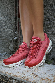 Nike - Air Max 95 sneakers basses - Light Redwood + Red Stardust
