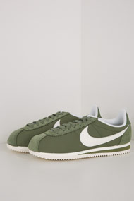 Nike - Classic Cortez Sneaker low - Olive Green + Offwhite