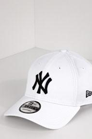 New Era - 9Forty Cap / Snapback - White + Black