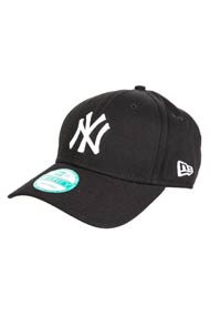 New Era - 9Forty Cap / Strapback - Black + White