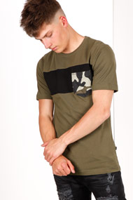 Only & Sons - T-Shirt - Olive + Black