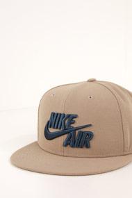 Nike - Snapback Cap - Beige + Dark Blue