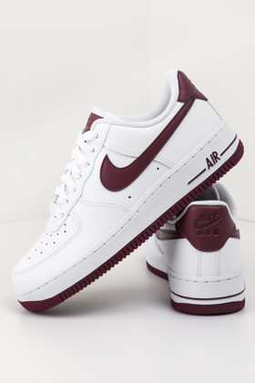 low priced 3040f dfab7 Nike - Air Force 1  07 sneakers - White