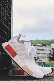 adidas Originals - NMD_R1 Sneaker low - White + Rose