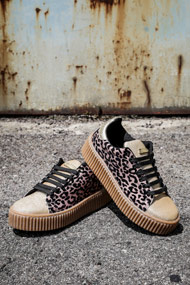 Guess - Creepers - Beige + Black + Gold